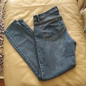 JJill Authentic fit slim ankle jeans size 6